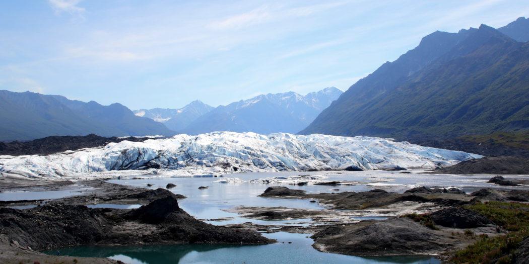 馬塔努思加冰川